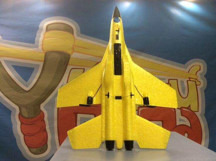 Радиоуправляемый самолет FX820 SU-35 2.4G для начинающих