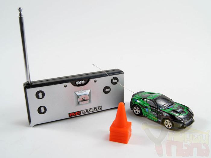 Мини машинка на радиоуправлении WLToys 2010-2015 в банке (6 см)